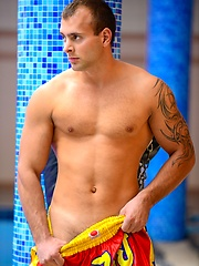 Jason Visconti posing naked by the pool by Colt Studio image #4