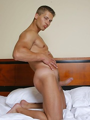 Hot muscle stud from Prague Xander Ruslan by Mark Wolff image #6