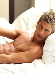 Jack Harrer Pin-Up by BelAmi Online image #5