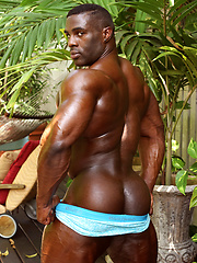 Aden Taylor - No Trouble with These Curves by Muscle Hunks image #8