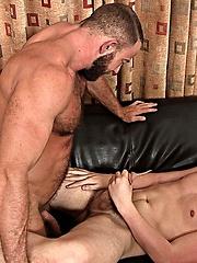 Muscle bear Shay Michaels fucks Dakota Wolfe by Hot Dads Hot Lads image #11