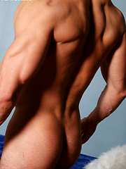 Muscled hunk Michael shows his hard cock by Playgirl image #5