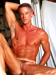 Muscled mature hottie Robert by Playgirl image #5