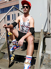 Watch me get naked on the roof - Scott Tyler by Bentley Race image #6