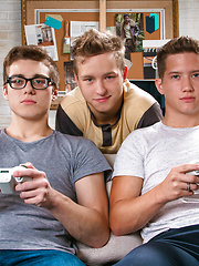 Gamer Threesome by Helix Studios image #8