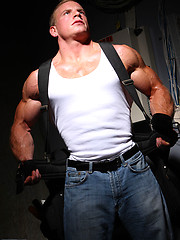 Another hot photo set of my favourite muscle hunk Ben Kieren