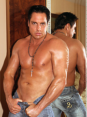 Tanned hunk Marcello pulls down his denim jeans and cums all over his chest