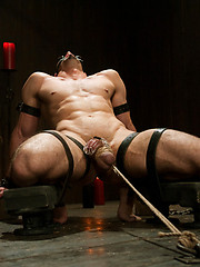 Jason Miller is ripped and he\\\'s ready for hard punishment from Master Avery.