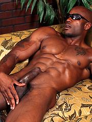 Ebony bodybuilder Sylvester Randolph