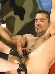 Fisting network. Scene 3. Muscle man gets his ass stretched.