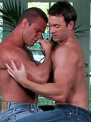 Hairy hunks Mitch Branson and Ricky Parks fucking