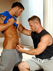 Muscle man scking off Cody's cock