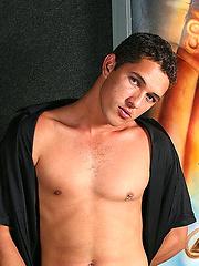 Hot latino boy Antonio de Capos