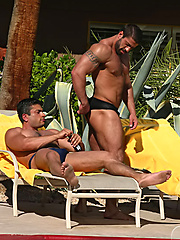 Hot muscle men Mike Dasher and Carlo Masi fuck