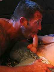 Muscle hunks Colby Taylor and Gus Mattox fuck
