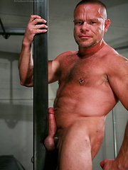 Muscled bear Peter Axel