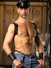 Nick Forte in leather gear