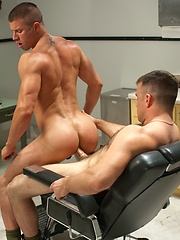 Muscled soldiers Heath Jordan and Kyle King fuck