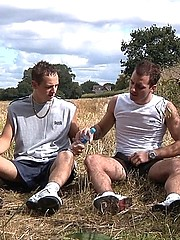 Fraser and Luke have decided to improve their fitness levels and head out for a jog together along the local canal but Fraser develops a groin strain...