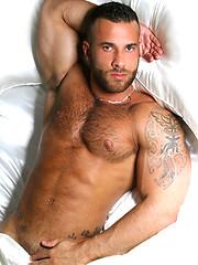 Feeling good, Starring muscle hairy hunk Gianluigi