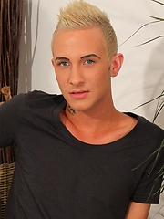 This smiley young man is Jamie and he\\\'s a blue-eyed and blond-haired stunner from the South East of England.