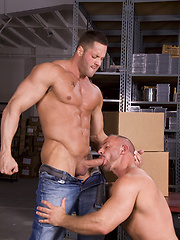 Muscle hunks Erik Rhodes and Samuel Colt fucking