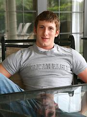 Hot muscular jock Dustin posing naked