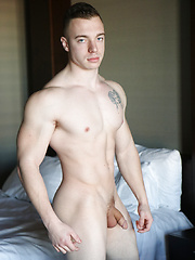 Bodybuilder Joey Russo Jerks His Cock And CUMS