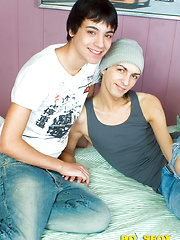 Bareback twink boys Euegene & Jacob