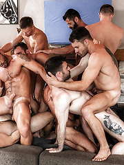 11-man Bareback Guy Pile