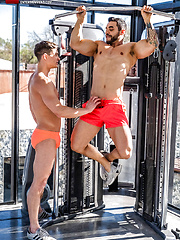 Arad Winwin Smashes Ruslan Angelo's Hole