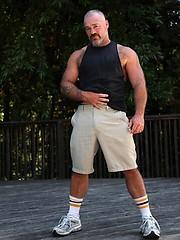 Muscle mature man Bronson Gates