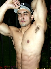 Latin muscle man Jorge