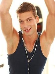 Julien Hussey gay porn pics