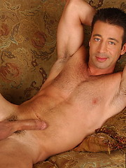 Muscle hunks Girth Brooks and Sean Stavos fuck
