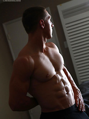 Muscled hunk Colt