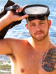 Eric - Big Beefy Hawaiian Scuba Diver Jerks Off Outside!