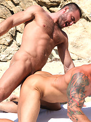Jessy Ares Tops Mitchell Rock\'s Ass on the Beach