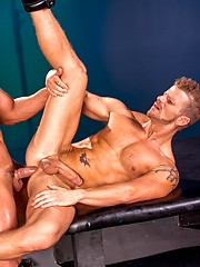 Muscle men Fabio Stallone and Jeremy Stevens fucking