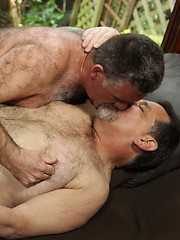 Mature bears Patrick Montana and Jack Snow fucking