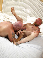 Hot bald bears Kirby and Rusty G fucking