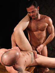 Muscle hunks Jessy Ares and Max Duran fuck