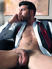 Dario Beck comes to British shores this week to get the 5 Star Menatplay treatment.
