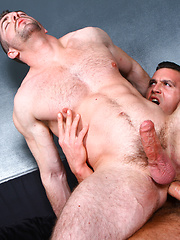 Paddy O'Brian fucks his well hung buddy