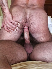Hairy daddy Brad Kalvo Barebacks Mike Dozer
