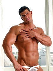 Zeb - Muscular body