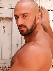Hottest bald muscle hunk from Rome (Italy) - Bruno Boni