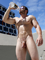 Australian Muscle - James Nowak strips naked on the roof