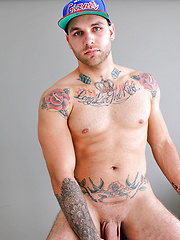 Aussie hunk Hunter Jones is back stripping and wanking