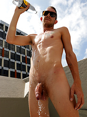 Naked in Australia - Damien Dyson's first outdoor shoot